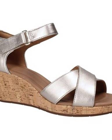 Sandále Clarks