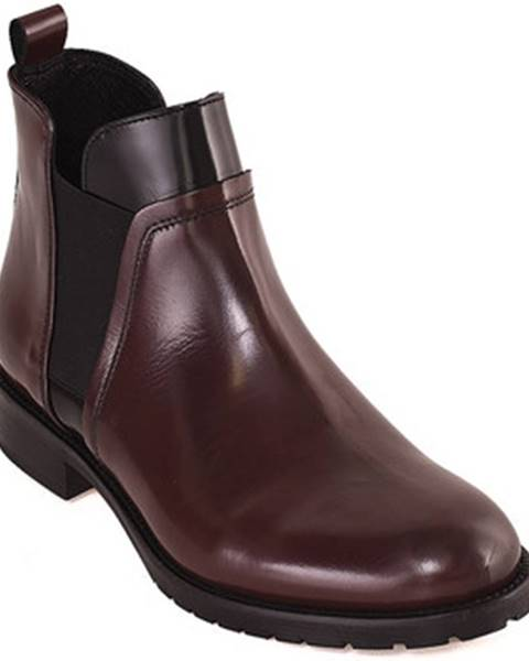 Červené topánky Mally