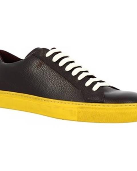 Červené tenisky Leonardo Shoes