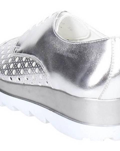 Strieborné topánky Cult