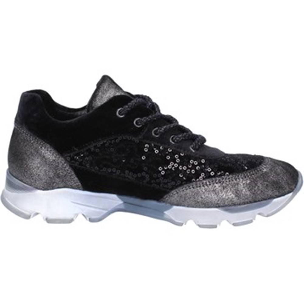 Fiori Di Picche Nízke tenisky Fiori Di Picche  sneakers nero velluto paillettes BX346