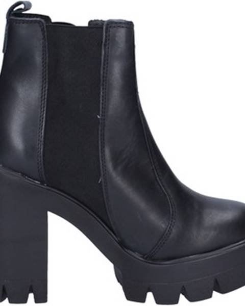 Čierne topánky Daniela Dolci