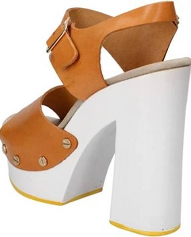 Sandále Suky Brand