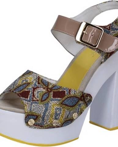 Béžové sandále Suky Brand