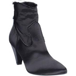 Čižmičky Grace Shoes  1991