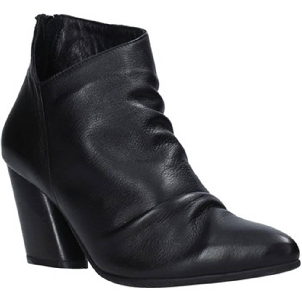 Bueno Shoes Čižmičky Bueno Shoes  20WR1400