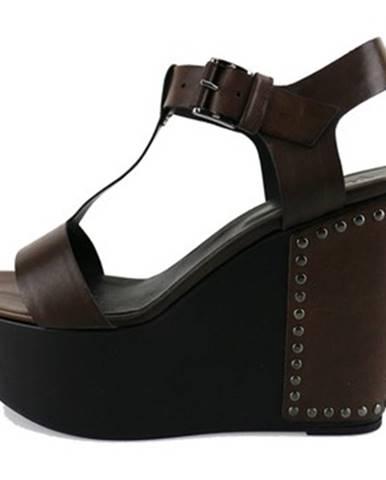 Hnedé sandále Vic