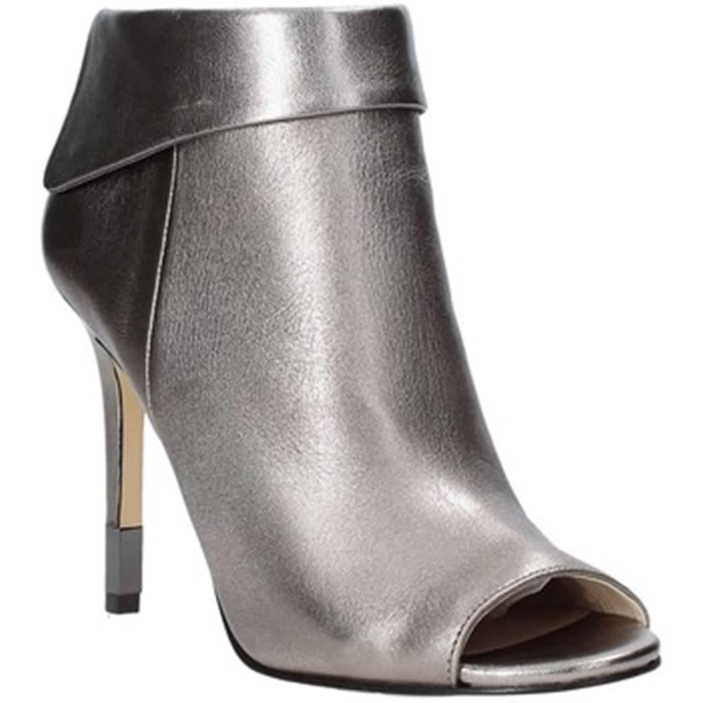 Guess Sandále  FLHES3 LEM09