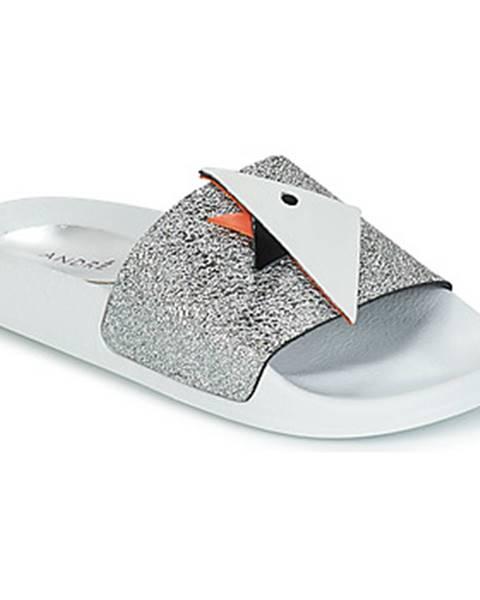 Strieborné sandále André