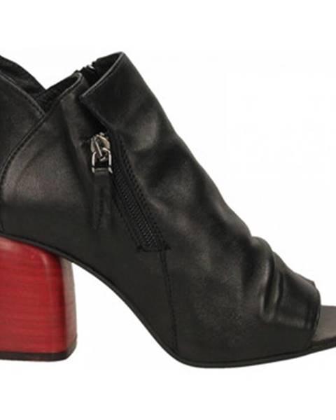 Červené topánky Way Out London