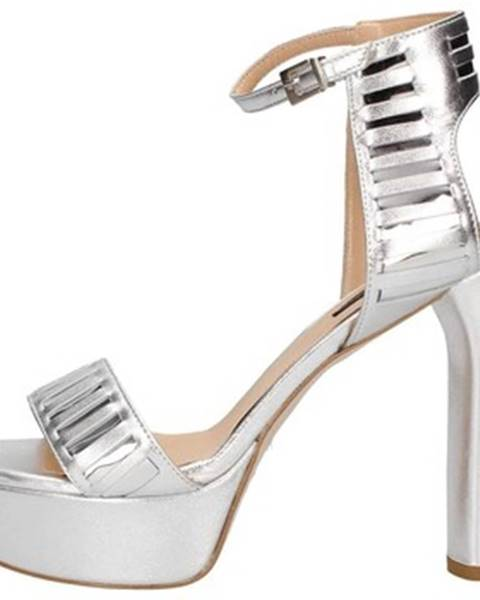 Strieborné topánky Andrea Pinto