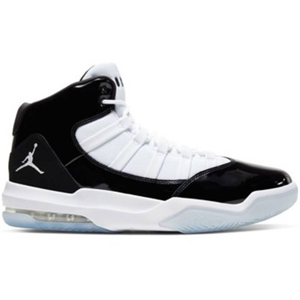 Nike Basketbalová obuv Nike  Air Jordan Max Aura