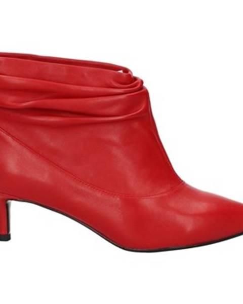 Červené čižmy Emanuélle Vee