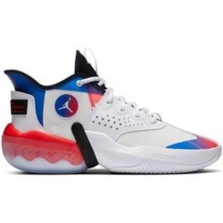 Nízke tenisky Nike  Jordan React Elevation