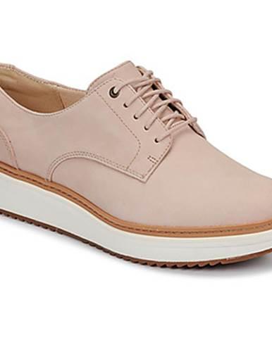 Béžové topánky Clarks